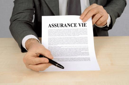 Contrat d'assurance-vie collectif ou individuel : quelle différence ?